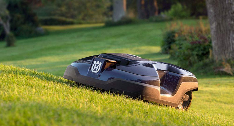 Review-Guide-On-The-Best-Husqvarna-Robotic-Lawn-Mowers.jpg