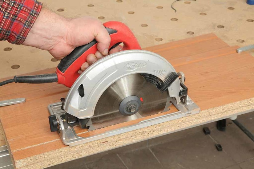 2020 Review Guide on the Best Circular Saws