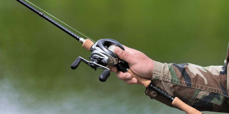 Best Fishing Reel Review Guide For 2021-2022