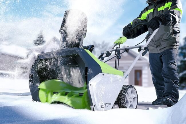 Top Best Heavy Duty Snow Blowers Review Guide For 2021-2022