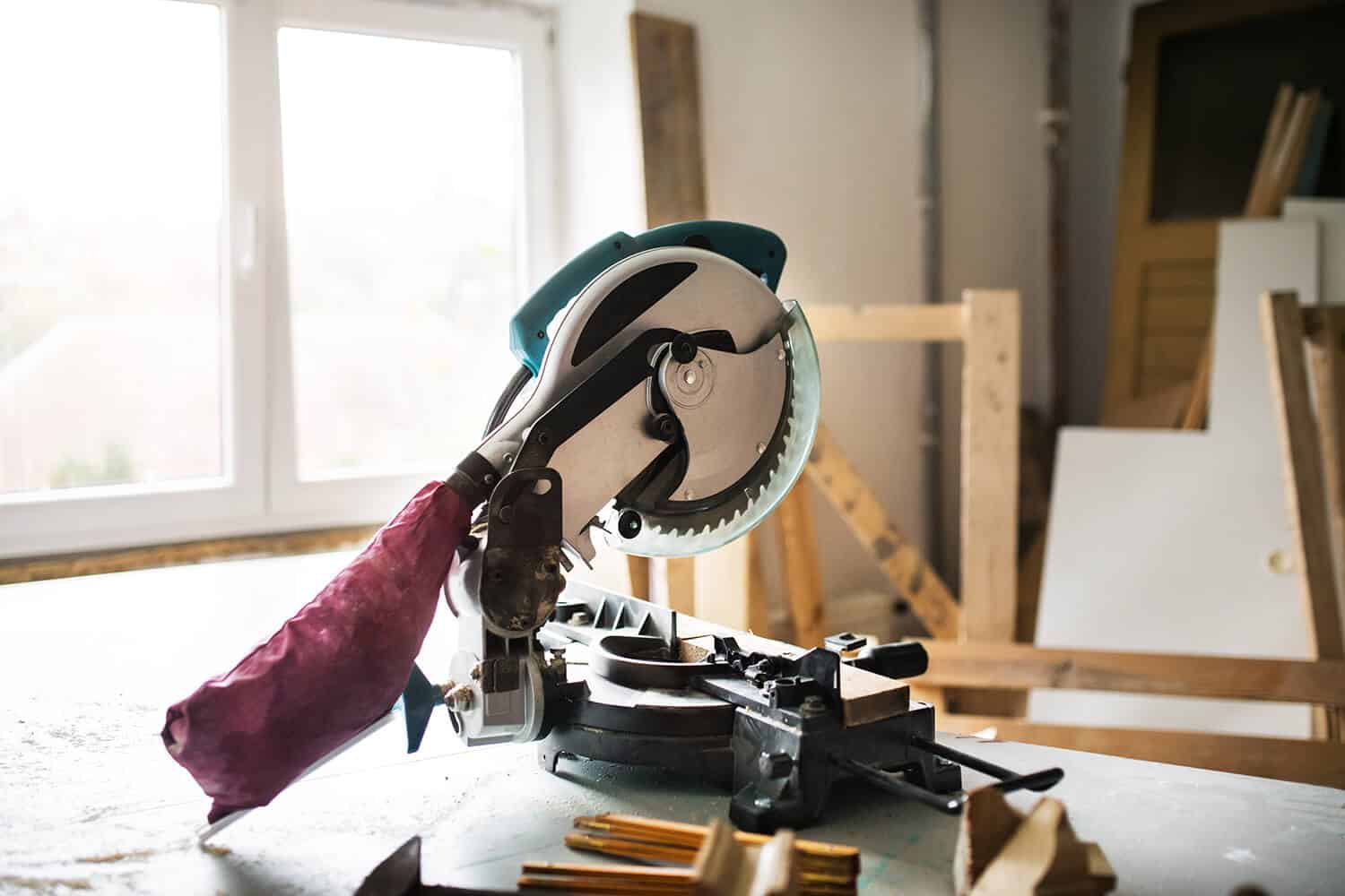 Best Cordless Miter Saws Review Guide For 2021-2022